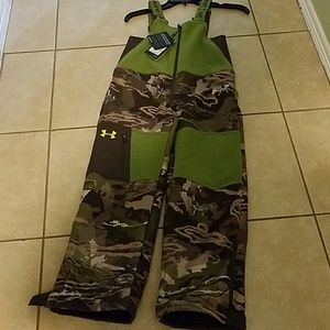 BOYS STORM LOOSE FIT Under Armour coveralls